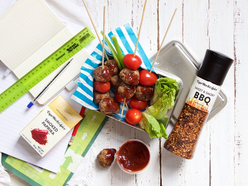 MINI BBQ BEEF MEATBALLS WITH SMOKY BBQ DIPPING SAUCE